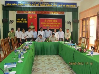 "Management Board Phong Nha - Ke Bang and Truong Thinh Group in  the signing of the "" forest environment  service contract"""